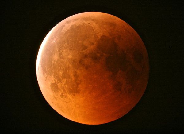 Total-Lunar-Eclipse-June-15-2011