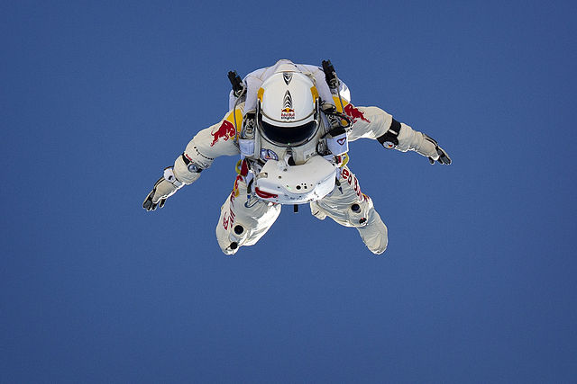Felix-Baumgartner-in-Free-Fall-Red-Bull-Stratos-Project