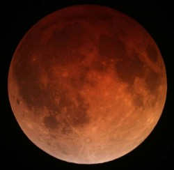 Lunar eclipse April 15 2014