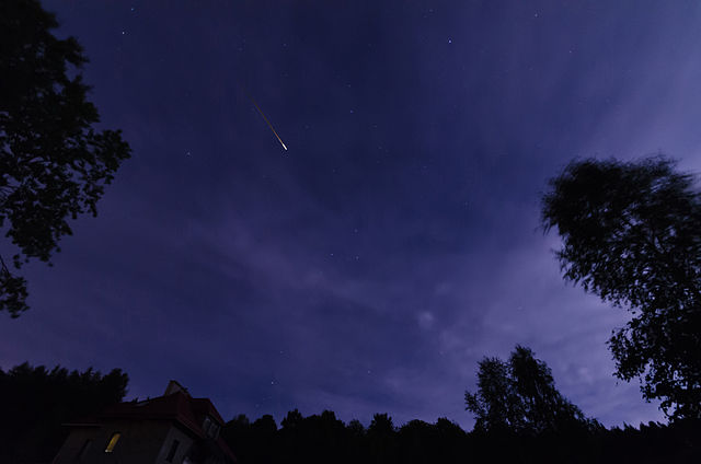 Perseids 2014 meteor photo by Jacek Halicki. License: CC BY-SA 4.0.